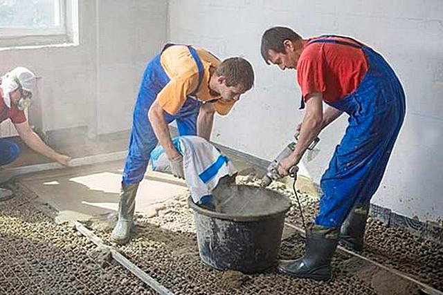 Технология подготовки смеси к заливке не требует специального оборудования или значительных физических усилий.