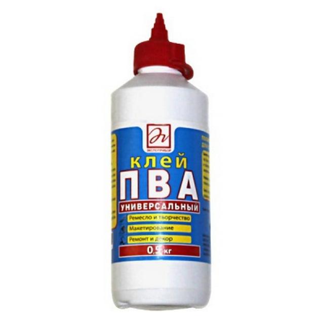 Клей ПВА – отлично справится с задачей соединения элементов пола. А фасовка в бутылке с носиком – наиболее удобна для работы.