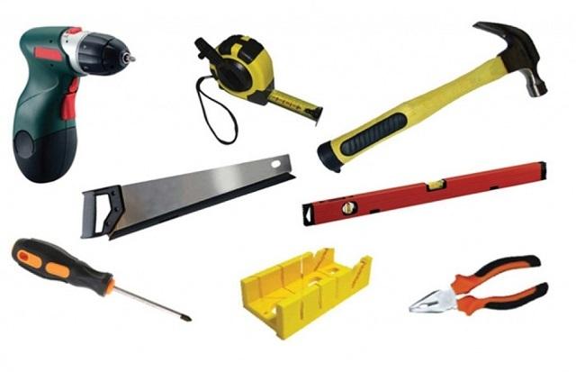 Некоторые из инструментов, необходимых для процесса утепления