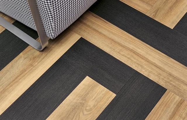 Возможность сочетать разные оттенки плитки позволяет создать эксклюзивное мозаичное покрытие