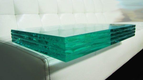 Для стеклянного пола обычное оконное стекло не подойдет