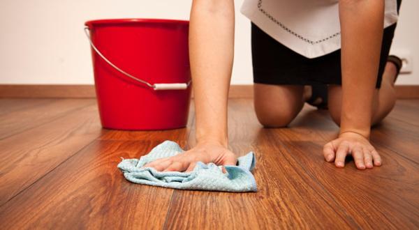 Отмыть линолеум можно несколькими способами