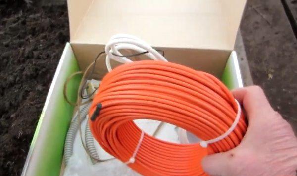 Подготовка греющего кабеля и терморегулятора