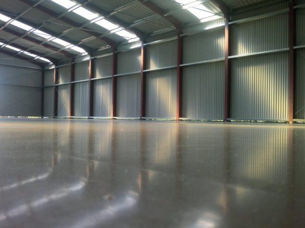Топпинговые полы востребованы в складских помещениях