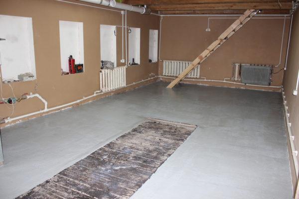 Вариант бетонного пола в гараже со смотровой ямой