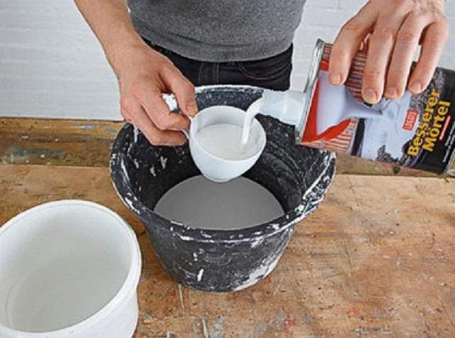 Изготовление раствора из клея и воды