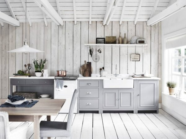 Белая кухня - фото