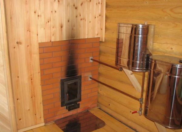 Для водяного теплого пола нужны дополнительные устройства и элементы