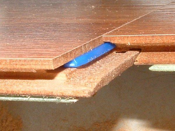 Как выглядит Lock-соединение ламелей