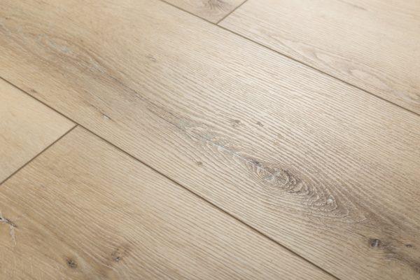 Кварц-виниловая плитка под дерево
