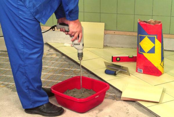 Стоит приобретать клей для керамогранита только от проверенных производителей