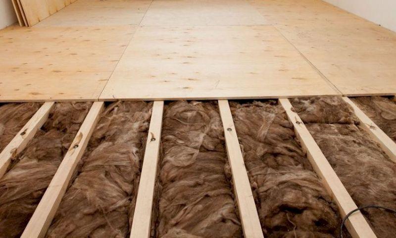 Утепление стен и пола в деревянном доме