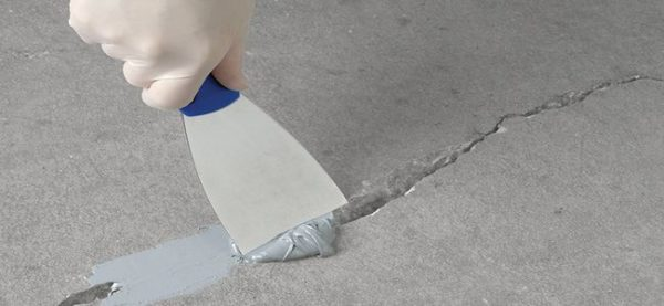Заделка трещин в бетонном полу